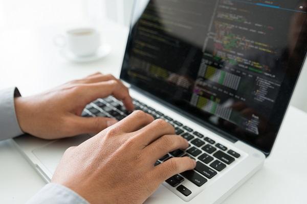 プログラミングを写経して学ぶWebサービスが登場、教育機関・自宅待機中の新社会人向けにライセンスを無償提供