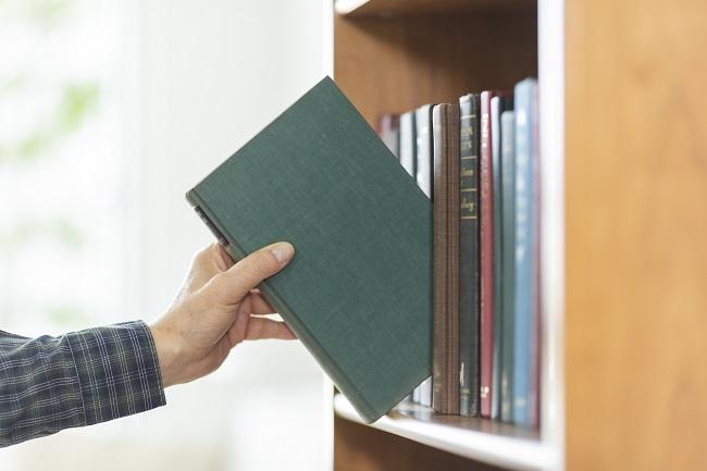 """【新卒向け】「時間がない」を理由にしない。読書嫌いでも読みやすい""""短いけどタメになる本""""まとめ"""