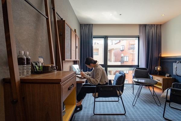 ホテルなのにベッドがない!THE LIVELY麻布十番に、仕事に集中できる「テレワーク専用ルーム」オープン