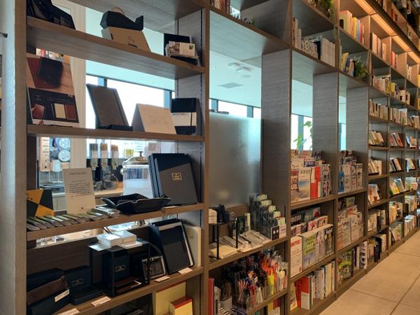 TSUTAYA BOOKSTORE 渋谷スクランブルスクエアがリニューアルオープン、定額制コワーキングサービス開始