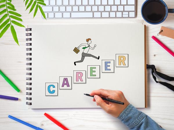 成長につながるキャリアチェンジへ、今踏み出す!6月第4週に発表された「使える!転職・副業関連サービス」まとめ