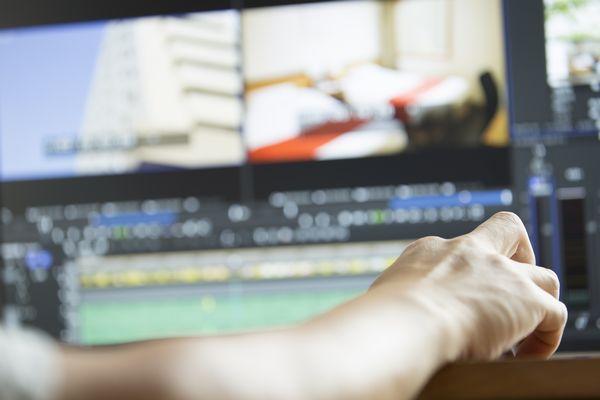フリーランスを目指す人が動画編集・デザインを学べる、少人数制オンラインスクール「フリカレ」開校