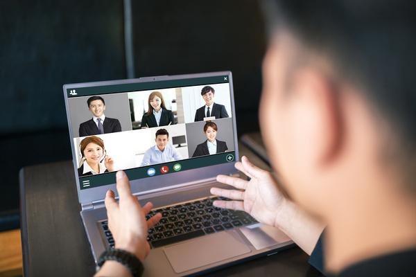 """オンライン会議で""""いいね!""""や""""笑""""を表示、場を活性化するカード「ウェブ会議のクスリ」が発売へ"""