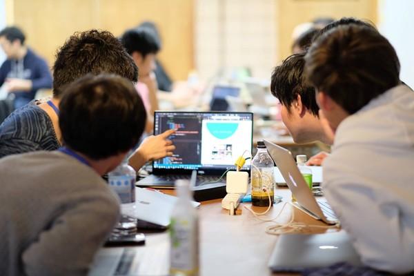 起業・転職を目指すエンジニア養成講座「フルタイム総合LABコース」が開講、8月から説明会を開催