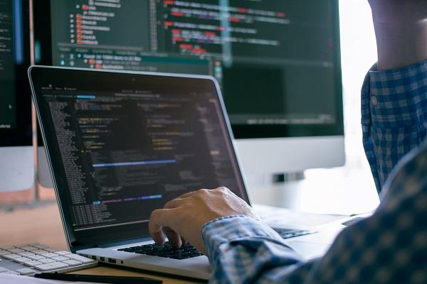 【初心者向け】大学生のためのプログラミング学習サービス、10月より提供中