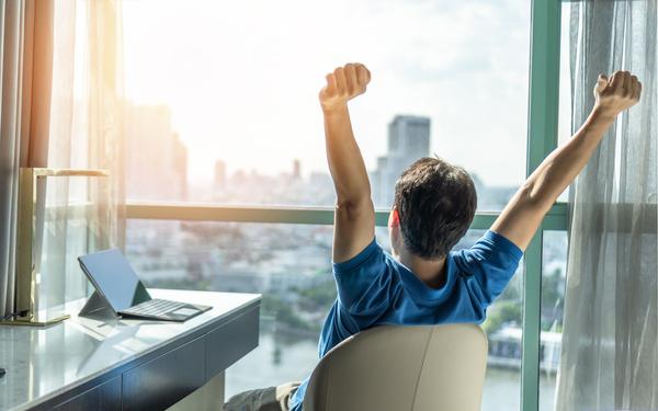 心と体を整えて仕事のパフォーマンス向上へ!自宅でできるマインドフルネス瞑想アプリ「CORAL」が登場