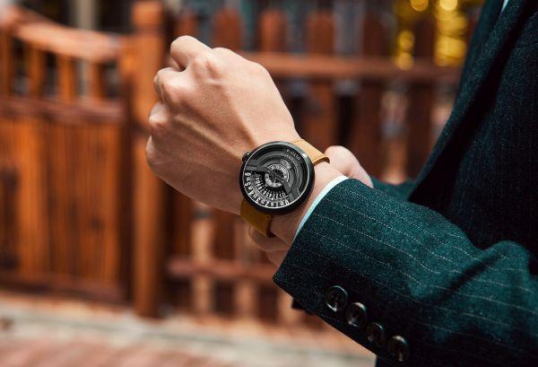 こだわりが詰まったロマン溢れる自動巻き腕時計「OLTO-8」Makuakeにて応援購入受付中