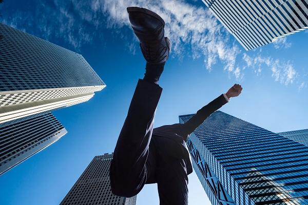 堀江貴文氏と橋下徹氏がトーク「新時代のライフシフト」10月17日オンライン開催!未来志向の働き方を実現へ