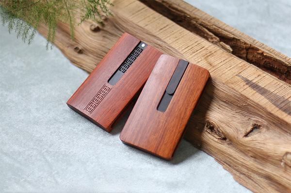 長く使える木製の名刺入れ「ARTIMBER」が登場!USB付属でビジネスシーンに最適