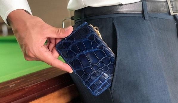 ビジネスシーンにもマッチ!クロコダイル使用のミニマム革財布が「Kibidango」に登場