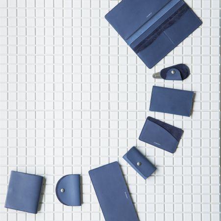 無駄をそぎ落とした究極のシンプル美!「ASUMEDERU」新作レザープロダクト、期間限定ポップアップ開催中