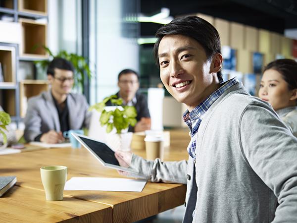複業入社・インターン入社期間を選考フローに!体験入社や複業から入れる覗き見転職サービス「複業転職」登場