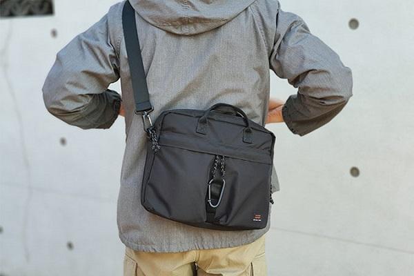毎日の通勤を楽に!ペットボトル飲料より軽いPCバッグ「DUNKEL」発売、オンでもオフでも映えるデザイン
