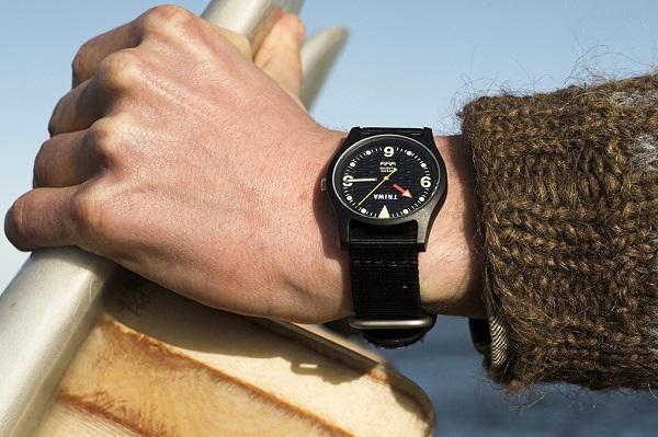 北欧の時計ブランドより「海洋プラスチックごみを再利用した腕時計」新色が登場!冬のコーデに合わせやすい2色
