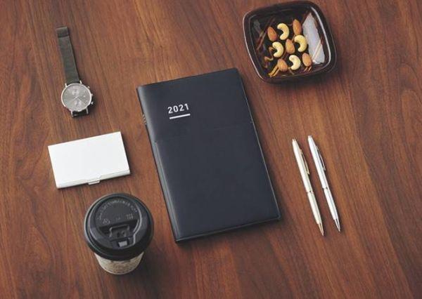 """ビジネスシーンでも使いやすいデザイン!「ジブン手帳Biz」より、""""2021年4月始まり版""""が1月発売へ"""