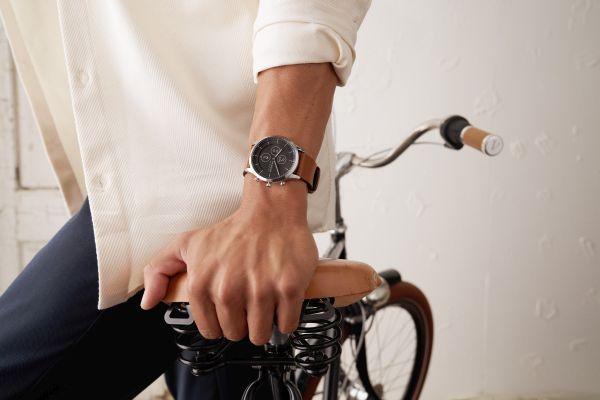アナログとデジタルが融合!ウェルネス&スマート機能搭載、北欧デザインの腕時計が「SKAGEN」から登場