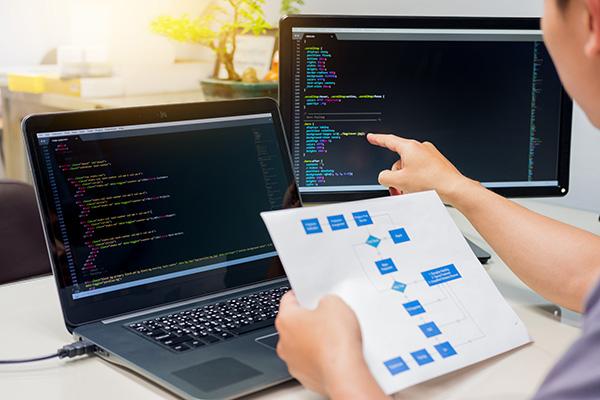 スタートアップがシステム開発に失敗しないためには?開発情報ブログ「STARTUP TIPS」がリリース