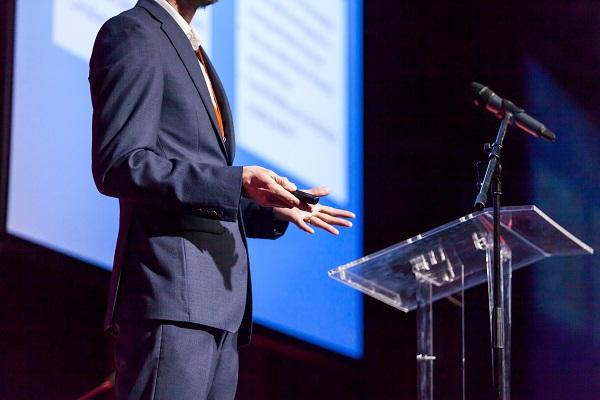 ベンチャー企業がその場で首長にプレゼン提案!「地方創生ベンチャーサミット2021」2月27日開催へ