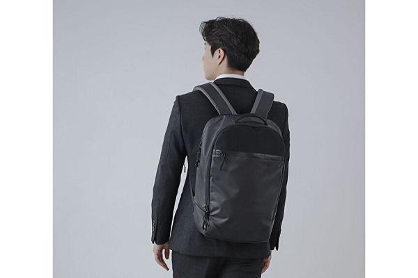 肩への負担を軽減、重さを忘れるバックパック「LACONIC」登場!バッグ作り10年の経験・技術を活かし開発