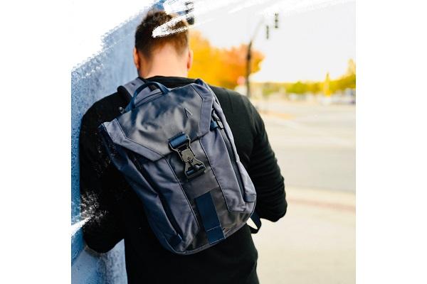 日常使いからアクティブシーンまで!現代人の生活に寄り添った「多機能スリングバッグ」日本上陸