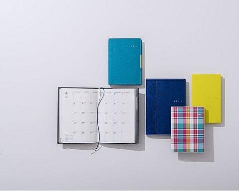 使い方次第で仕事の効率もアップ!高橋書店、2021年度版4月始まり手帳を発売中