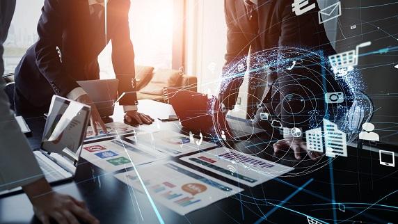 AI人材育成のAVILEN、技術者キャリア支援のアカリクと業務提携!就職までを総合サポート