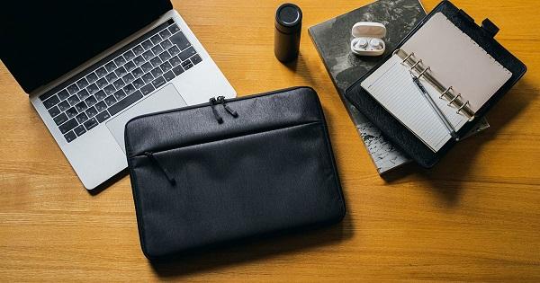 MacBookデビューしたら、あわせてチェックしたい!安全・スタイリッシュな専用ケースが新発売