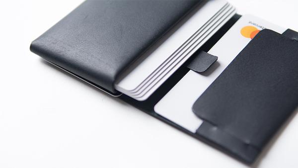 両面にカードを入れてもタッチ決済できる!台湾発の小型本革マルチウォレット『0.7 Wallet』登場